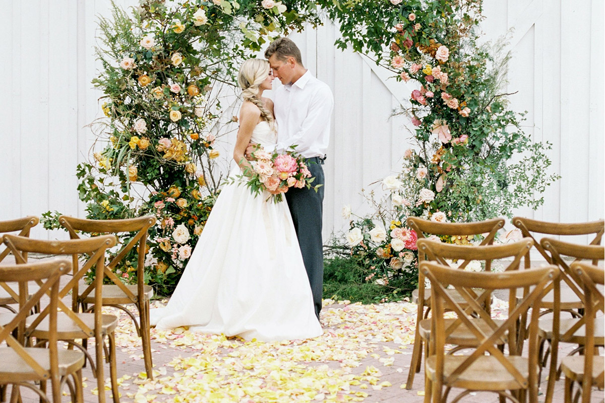 The 5 Types Of Floral Installations You'll Want For Your Next Event -  Magnolia Event Rentals